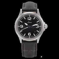 556.014   Sinn 556 A Instrument Sporty Elegant Black Dial Leather 38.5 mm watch. Buy Online